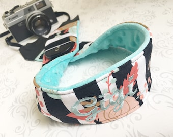 Personalized DSLR Minky Camera Strap, Padded with Lens Cap Pocket, Nikon, Canon, DSLR Photography, Photographer Gift - Striped Floral & Aqua