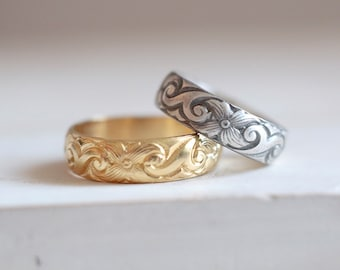 Gold Antique ring. Sterling silver gold plated ring with flowers pattern. Old pattern, gold ring, gold plated band, wedding band, stackable.