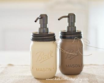 Set of 2 Mason Jar Soap Dispenser. Mason Jars. Painted Mason jars. Rustic Home Decor. Soap Dispenser. Kitchen. Bathroom.
