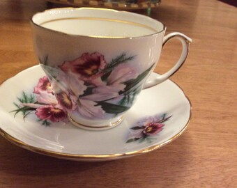 Duchess Bone China England Teacup and Saucer Pink Flowers