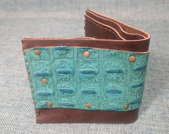 Hand Sewn Leather Bifold Wallet