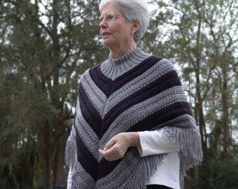 Knitted Poncho in Grey and Black