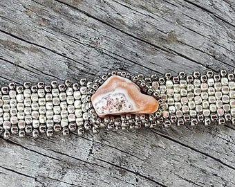 Tissage Peyote sous forme libre perles Bracelet - tissage - lac supérieur Cabochon Agate - BOHO galvanisé argent