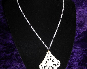 Ivory Pendant Chain Necklace