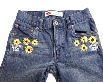 Girls Floral Hand Embroidered Jeans, Sunflower and Forget-me-not embroidery, Size 12, Levi's 510