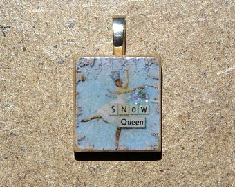 Scrabble pendant with gift box, Snow Queen