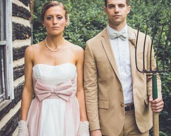Retro Inspired Wedding Dress with Bow - The Amanda