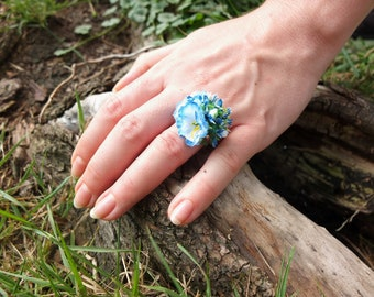 Blue flower ring from the sky