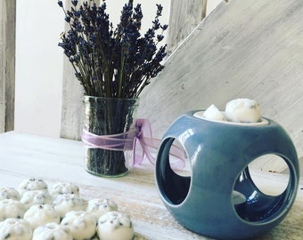 Blue Ceramic Wax Burner and 5 Scented Lavender of Provence Wax Melts