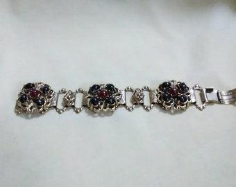 Vintage black and red bead on gold tone link bracelet