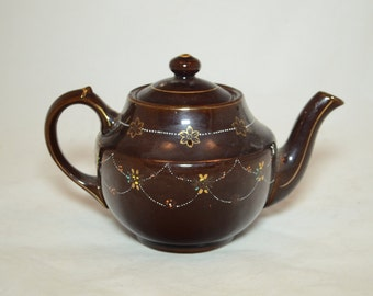 Vintage Japan MG Moriage Tea Pot - Post War Japan - Wonderful Hand Painted Details