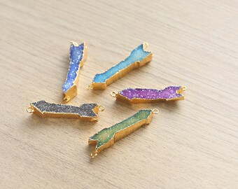 1 pcs of Colorful Agate Druzy Arrow Pendant With Gold Plated Brass Foiling - Mixed Colors
