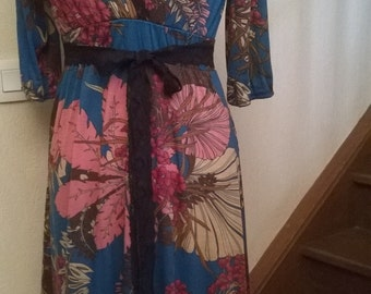 Dress printed sleeve three quarts