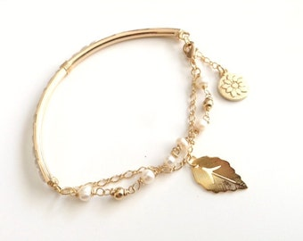 mothers day gift, Genuine Freshwater Pearl and Gold plated Bracelet, pearl Jewelry, leaf Bracelet, bridal accessories, wedding jewelry,