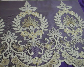"""No. 300 Soft Gold & White Embroidery On Tulle; 12"""" x 6 Yards, Single scallop"""