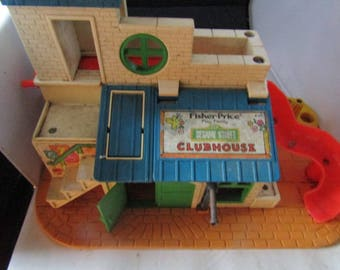 Vintage Fisher Price Sesame Street Clubhouse 937 1976