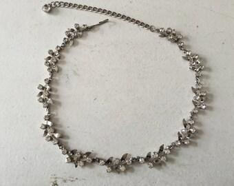 Stunning Vintage Clear Rhinestone Grecian Leaf Choker Necklace 0818
