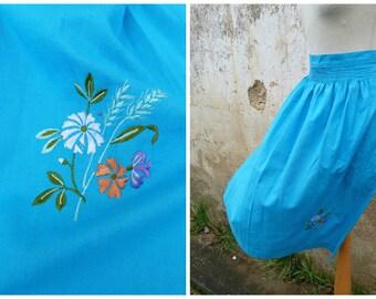 Vintage 1970/70s Tyrol Austria Trachten dirndl turquoise  embroidered cotton apron