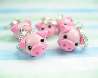Cute Pig Stitch Markers (Set of 5) knitting stitch markers polymer clay animal charms pigs knit knitting accessories gift for her knitter