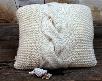 Handknit Chunky Cable Cushion Cover. Knit Cable Throw Pillow. Giant Cable Pillow. Aran Cushion. Chunky Funky Pillow. Ivory. Cream Cushion