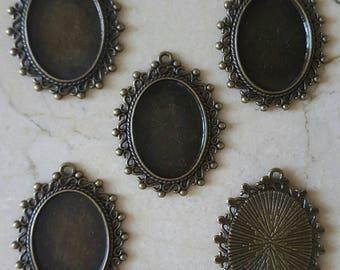 set of 5 holders vintage cabochons