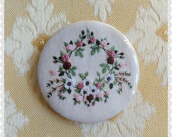 Rococo bouquet of flowers pin
