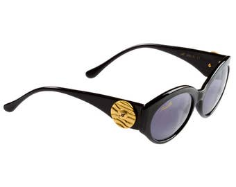 Annabella Vintage Sunglasses 80s, made in Italy. Black cat eye sunglasses - original and unique vintage eyewear