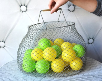 Metal wire basket, Wire Hanging Basket, Fruit Basket, market egg basket, kitchen storage, Collapsible basket, Large metal mesh