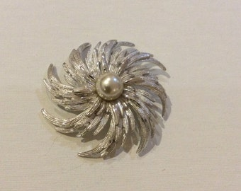 Silver Tone Swirl Brooch