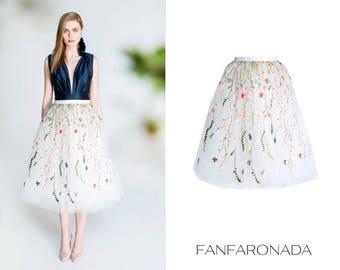 Floral ebroidered tulle skirt, floral tulle skirt, romantic skirt, boho, floral pattern, floral lace, tea-length skirt, calf length skirt,