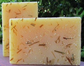 HANDMADE SOAP - LEMONGRASS Scrubber Luxury Artisan Bar - Olive Oil - Essential Oils - Vegan