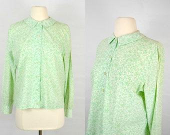 1960s Light Green Small Floral Print Fitted, Peter Pan Collar, Blouse by Ship'N Shore