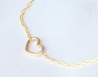 Tiny Gold heart bracelet, silver dainty bracelet, rose gold delicate bracelet, bridesmaid gift, minimalist, thin bracelet, sister gift