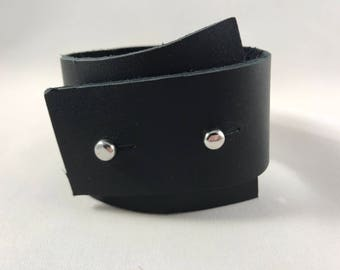 Leather bracelet/Repurposed leather/Recycled leather