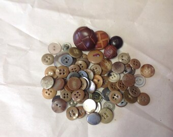 Vintage brown tone buttons a few leather -Lot F