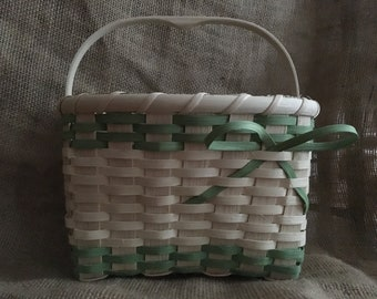 Spring Basket with a Nantucket Handle and Bow