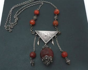 Long Silver Chain and Faceted Carnelian Tribal Necklace// Egyptian Zar Amulet Necklace // Ethnic Vintage Jewelry