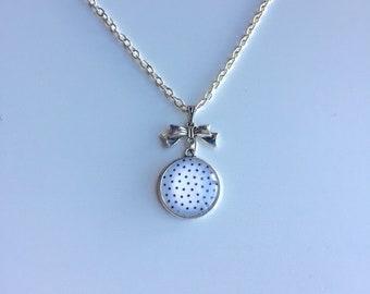 Silver Pendant chain silver dots