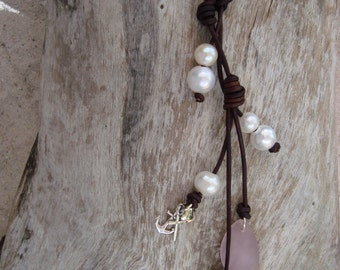 LEATHER/ PEARL NECKLACE (Carol)
