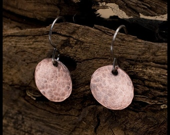 Elishabet - recycled copper hammered and oxidized disc earrings