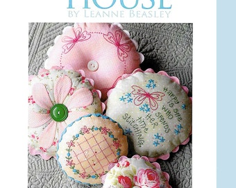 Pattern ''Sarah's Pincushions'' Hand Embroidery, Applique Pincushion Pattern by Leanne's House (LH074)