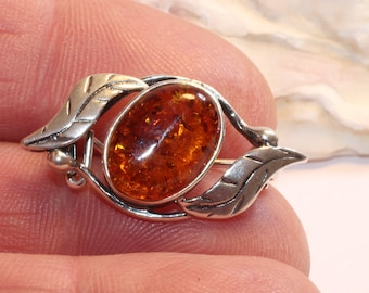 Silver Brooch/Baltic Amber Gemstone Silver Brooch Pin / Unique Gift for Women/ Vintage style Gift Brooch/Ornamental Pin/ Scarf Pin / Fashion