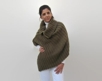 Brown Merino Wool Hand Knit Poncho with Zipper, Patagonia Wool Turtleneck Chunky Knit Poncho, Cape, Women Knitwear, Cover Up, Asymmetric