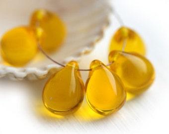Yellow Amber Teardrop beads, Large czech glass briolette beads, light Amber topaz glass drops - 10x14mm - 6Pc - 0641