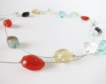 Semi-precious necklace assembled with a little wire.