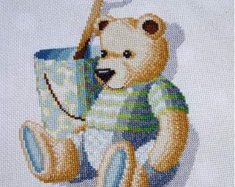 Hand embroidered canvas: little bear at the beach