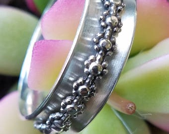 Sterling Silver Daisy Spinner Ring