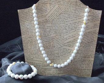 White ceramic beaded necklace and bracelet