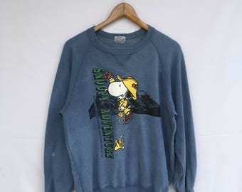 Rare! Peanuts Characters Snoopy Adventure sweatshirt . Peanuts snoopy woman/man clothing