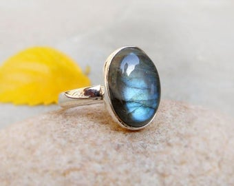 Labradorite Ring Blue Fire Labradorite Sterling Silver Ring Labradorite cabochon Blue Flash Ring One of Kind ring Labradorite Ring Size 6